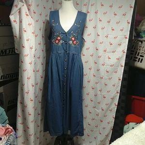 Fab embroidered Jane Ashley denim dress, Med